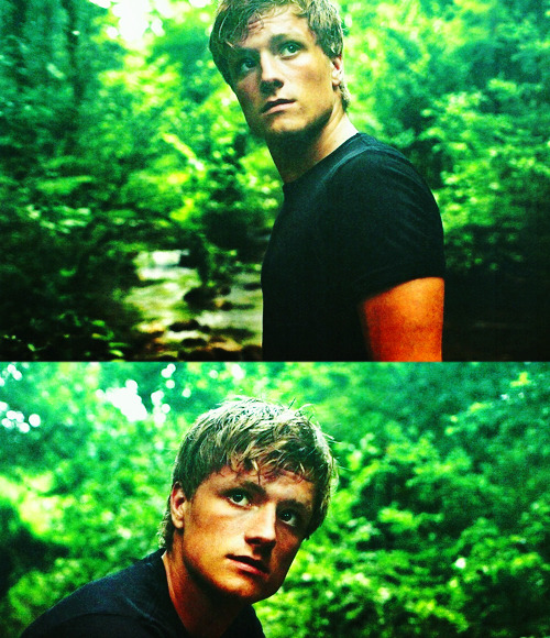 Look at Peeta. LOOK AT HIS BREAD-KNEADING FACE.