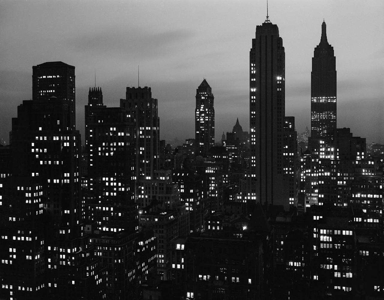 New York Dimout (1942). Andreas Feininger.