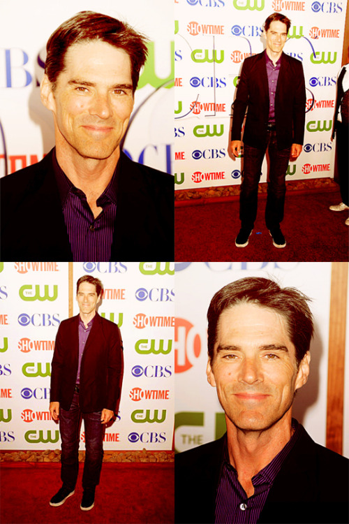 thehotchettes:   TCA Party 2011  He can wear jeans every day if he wants. Jeans half the day, a suit the other half… ~CM