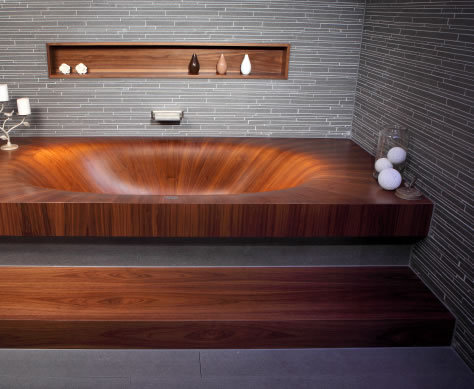 Wooden Bathtub. CAN HAS WANT.