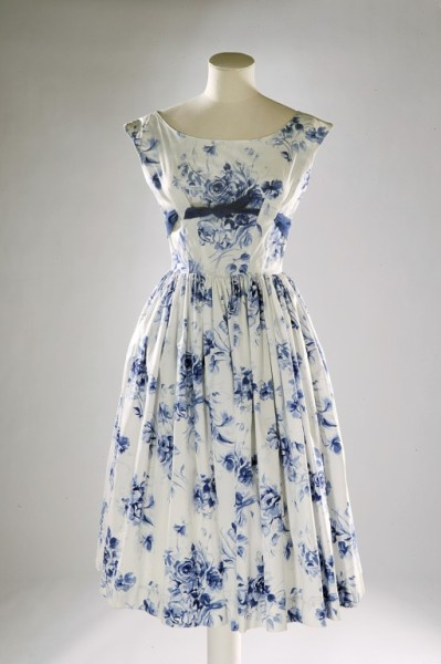 bramblewoodfashion:  One of my favorite dresses at the V&A. omgthatdress:  Dress ca. 1957 via The Victoria & Albert Museum