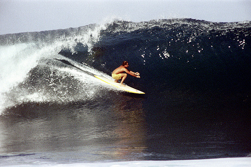 15-544 (by Nick DeWolf Photo Archive) oahu, hawaii 1972 north shore surfing