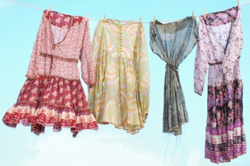 (via SUMMER DRESSES: THE VINTAGE ONES! | stylelovely.com)