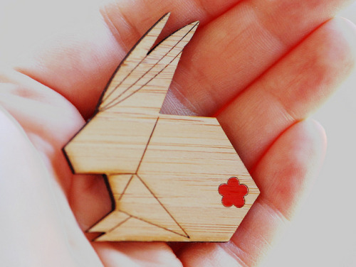 chezcris:  Origami Rabbit Brooch - Usagi by melanie gray augustin on Flickr.