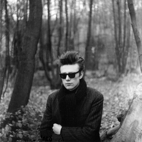 Stuart Sutcliffe, 1960. photo by Astrid Kirchherr