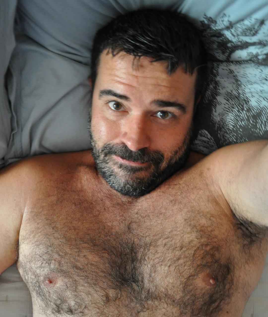 2018-06-04 05:23:08 - barebearx please follow me over beardburnme http://www.neofic.com