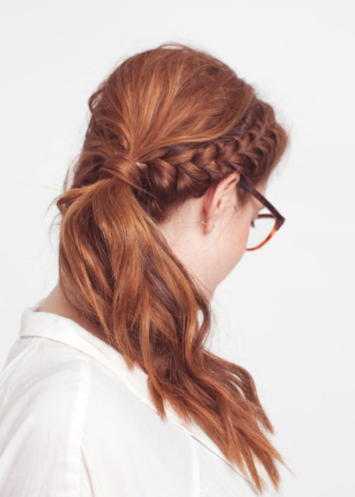 FINALLY, A BRAID I CAN DO MYSELF. Getting tired of milkmaid braids tbh.