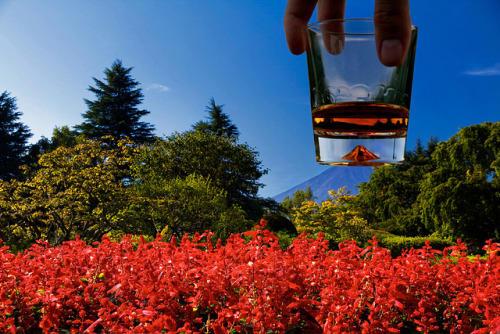 yellowafrican:  Whisky on the Rocks of Fuji by TheTownSheriff on Flickr.  Wow! So cool!