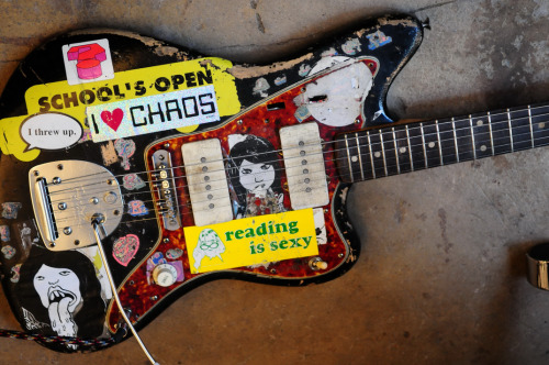 Another Sonic Youth guitar (Thurston's) got stolen.
