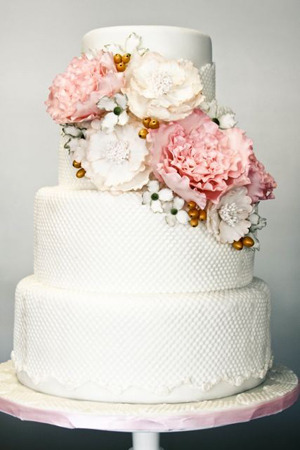 Beautiful cake!! (via Southern Style)