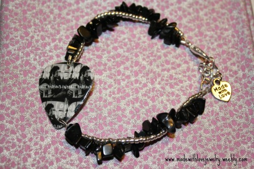 madewithlovejewelry:  Modern Love, Matt Nathanson Bracelet *I can customize the guitar picks to have any musician/band you want!* To see more, visit: www.madewithlovejewelry.weebly.com  Oh my gosh, this is adorable and amazing! I love it!