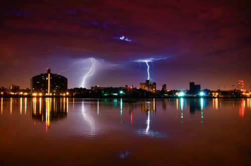 Lightning in Queens, New York City by mudpig on Flickr.