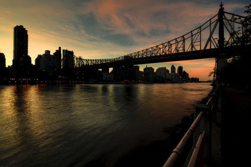 a manhattan sunset by mudpig on Flickr.