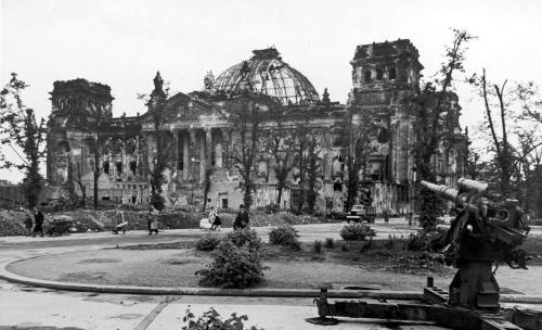 ruins of the Reichstag, 1945