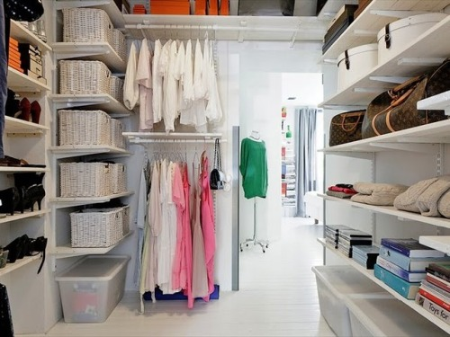 Ohhhh… the organization! gasm. myidealhome:  organized walk-in closet