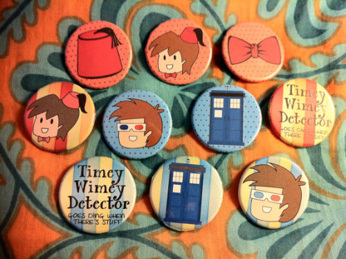 (via Set of 10 Doctor Who Themed 125 Pinback Buttons by 76totterslane)