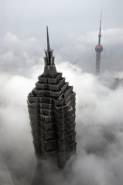 jianchen1230:  jin mao tower and shanghai tv tower by Gaellery on Flickr. 云端