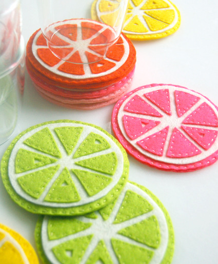 craftsahoy:  boatsandbellsandbeams:  Citrus coasters by the purl bee.  Adorable! [Jen: So love this!]