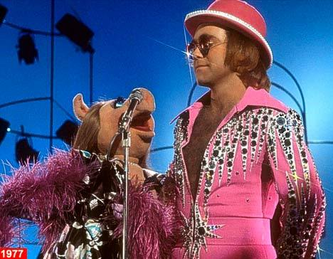 superseventies:  Elton John and Miss Piggy on 'The Muppet Show', 1977.