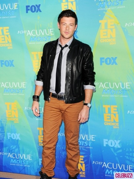Glee hottie Cory Monteith still rockin' a little bit of scruff at last night's Teen Choice Awards.