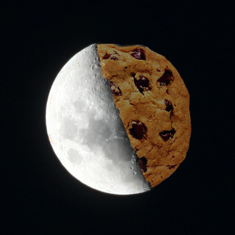 Cooki-oon(cookie+moon) - World 2011 I really love looking at the moon :D I realized that the moon's position here is different from Singapore. In Singapore the 'movement' of the shadow of the moon is usually horizontal. Here, it's diagonal. Trying to get a whole month photos of the moon but it seems like I am not doing that well :P I missed one day already. Maybe next month.  Anyway here's the spoof that I was mentioning earlier couldn't wait till a later time. Had to show you guys this :D