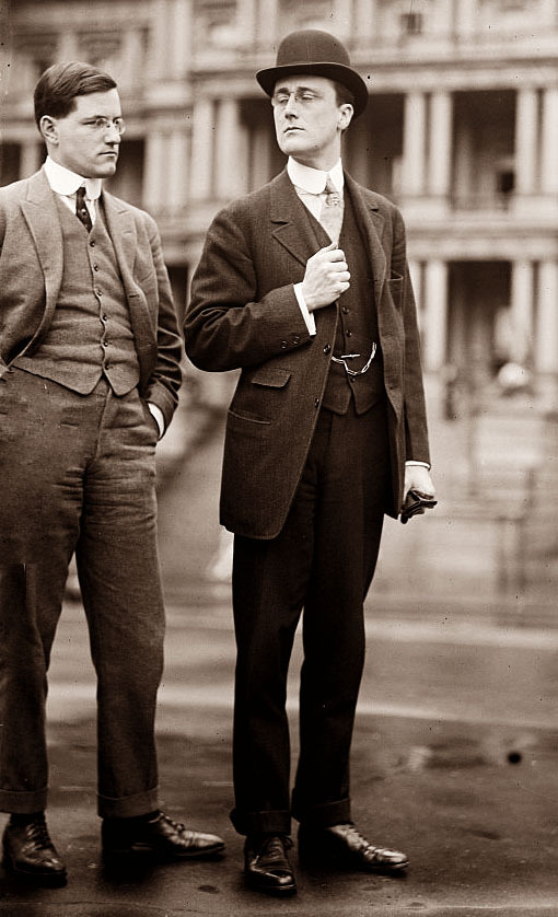 "reagan-was-a-horrible-president:  vin-mod:  FDR  The ""D"" stands for Dapper!"