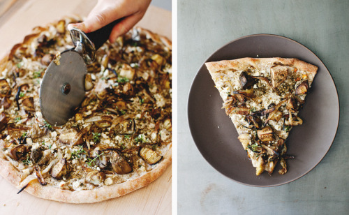 ROASTED EGGPLANT + ZA'ATAR PIZZA  Just leave out the cheese or use your favorite vegan cheese!