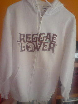 :: REGGAE LOVER :: Sweatshirt: White Ink Color: Brown Sizes: M ———————————————— Color de Sudadera: Blanca Color de Tinta: Café Tallas: M
