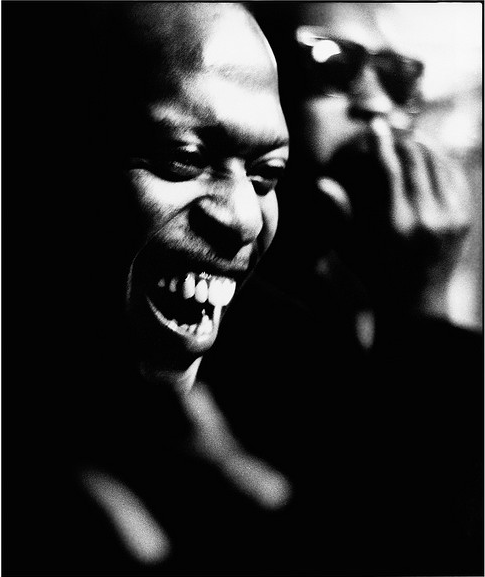 Kenny Drew with Hank Mobley in the background, Bologna Italy, 1968 (photo by Roberto Polillo)