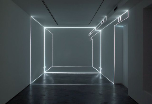 Spanish artist Pablo Valbuena, puntos de fuga / vanishing points, exhibition in Max Estrella Gallery in Madrid, 2010.Follow: Contemporary-Art-Blog