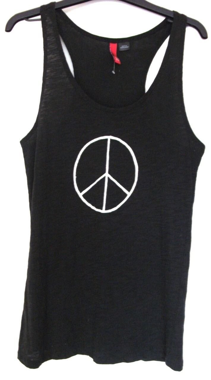 Peace Sign Vest - For Sale Now - UK 10 Bid here: http://cgi.ebay.co.uk/ws/eBayISAPI.dll?ViewItem&item=270793897935&ssPageName=STRK:MESELX:IT To see the rest of my items visit my tumblr: http://darcywhodenim.tumblr.com/