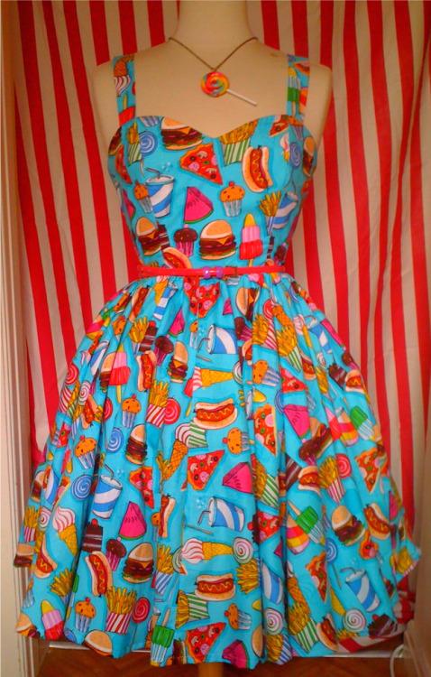 dangsallydang:  poutingpumpkin:  bridgeypoos:  first dress is now on ebay! 99p starting bid. GO SEE!!! www.ebay.co.uk/itm/ROCKABILLY-KITSCH-PIN-UP-SUMMER-SWING-DRESS-12-14-CANDY/140589867697?ssPageName=WDVW&rd=1QQihZ004QQcategoryZ63861QQcmdZViewItem#ht_3688wt_1141    I have never wanted a dress so badly. LOOK AT IT, ITS BEAUTIFUL  i'd wear this. but it might get my stomach grumbling