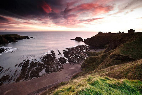 llbwwb:  Dunnottar mood (by Kenny Muir)