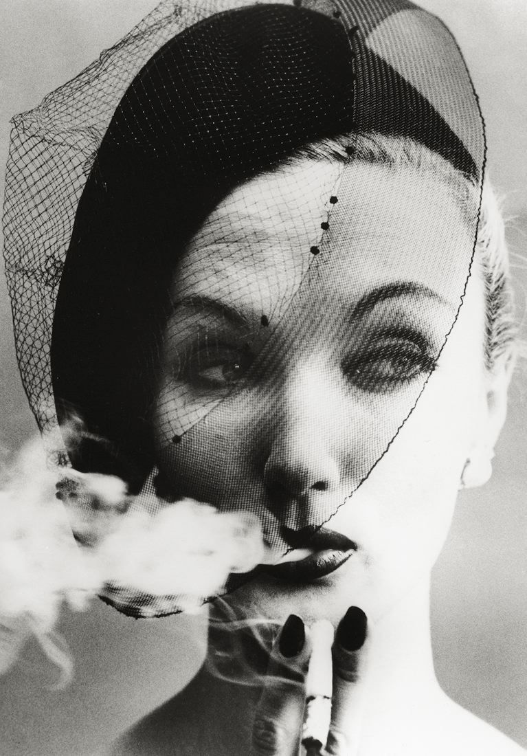 Smoke and Veil, for Vogue (1958). William Klein.