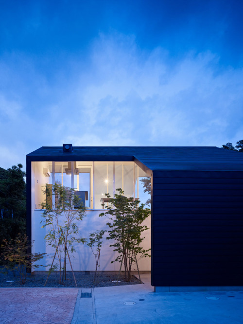 dendrites:  47% House - Kochi Architect's Studio (via design*boom)