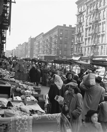 Locals shopping on Avenue C and Sixth Street, East Village NYC, April of 1950. via EV Grieve