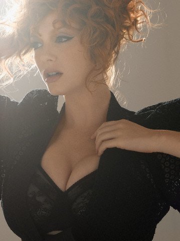 rjsalamanca:  Christina Hendricks you are beautiful!
