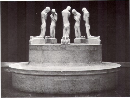 George Minne - Fountain of Kneeling Youth
