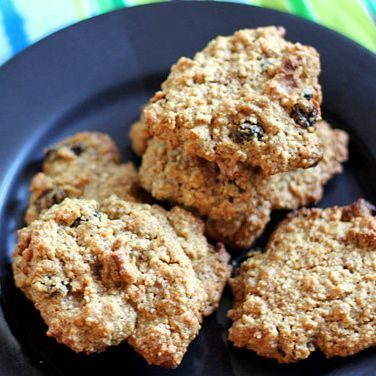 Quinoa Oatmeal Raisin Cookie
