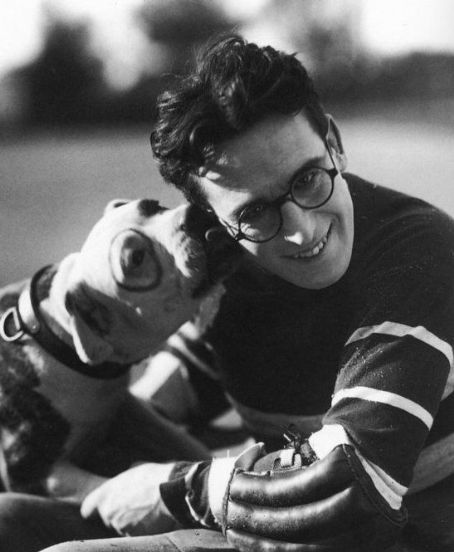 literarydogs:  True love: Harold Lloyd.