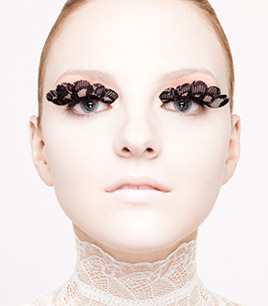 Lace eyelashes…. OoOoOoOoOh (^_^)