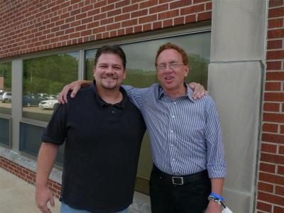 John Nichols poses for a pic with an IBEW member this morning in Madison. :) #wiunion #wirecall