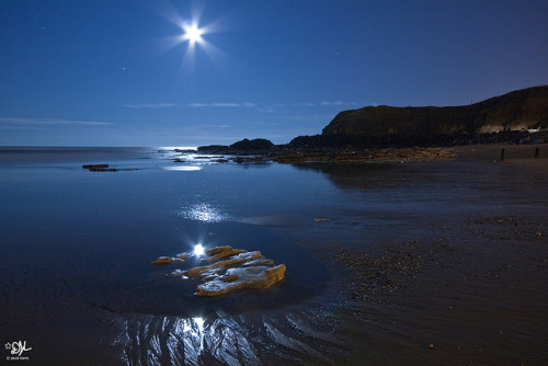 dnth8msturb8:  Seaham Beach by David John Harris on Flickr.