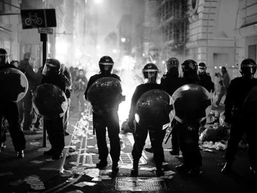 betterdead:  Riots in London, 08/08/2011.