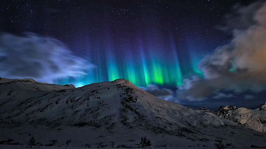 lori-rocks: Lightdances - Aurora borealis  by Dionys Moser