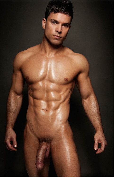 musclehunkymen:  Tight muscle body, firm cock!