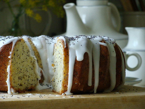 Lemon and Poppy Seed Cake (by Teen's)