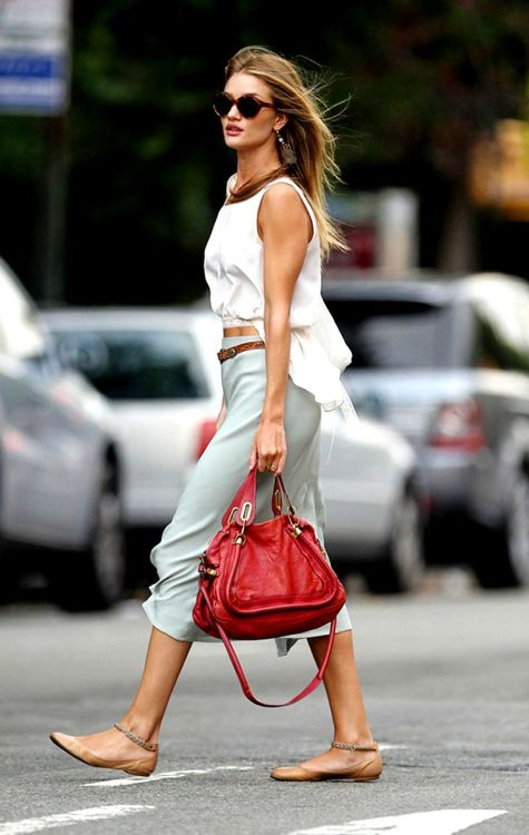 meredya:  Another fabulous street-style look worn by Rosie Huntington-Whiteley. Love the red Chloe bag. It makes the whole look come together and makes a strong statement.