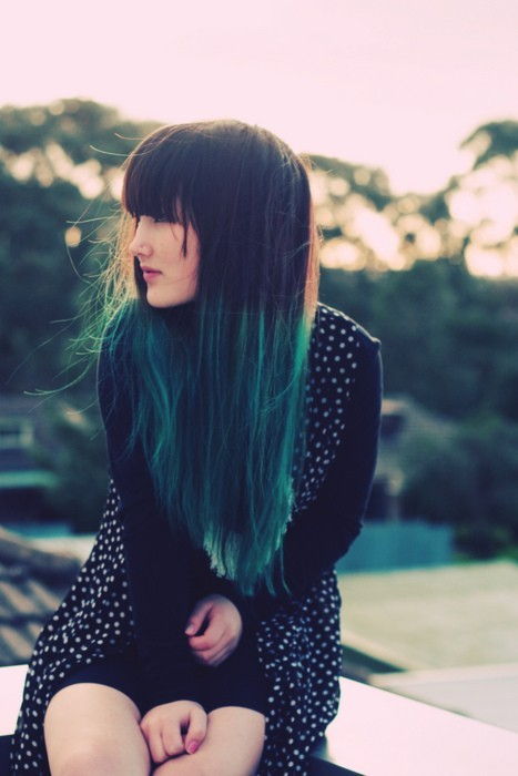 Green + hair (via theglitterguide:  (via Hairs / Sex Hair. ♥)