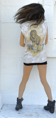 Aley Greenblo- Vintage Lion Top